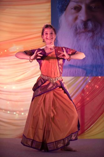 Fabrizia performing Indian Dance at Osho Leela Festival in Dorset, photo by Kutira Warnke, May 2013